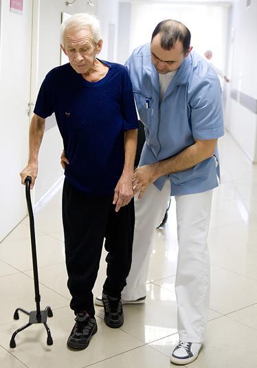 Eemaldage valu pahkluu liigeses Akuutne artriit kasitsi ravi
