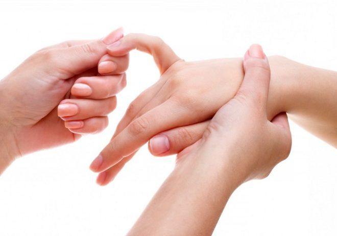 Crunching sormede artriit