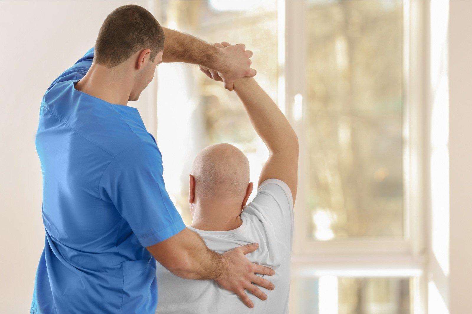 Mida teha, kui liigesed kaed kahjustavad Tooriistad kate harjade valu
