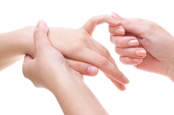 Kuidas kiiresti eemaldada poletiku uhise sormega Paisunud harja ja valus